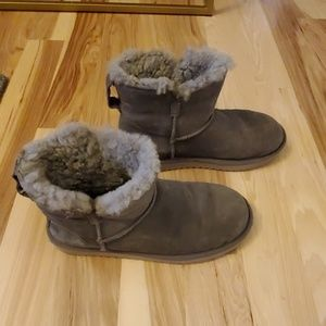 Womens Koolaburra by Ugh gray suede boots size 8